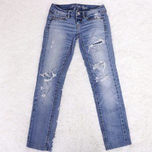 American Eagle low rise distressed skinny jeans b7